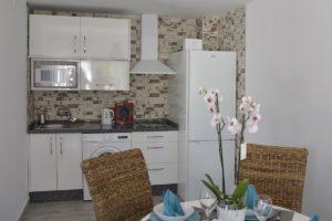 cocina apartamentos El Lago en Córdoba