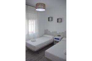 habitación doble apartamentos El Lago en Córdoba