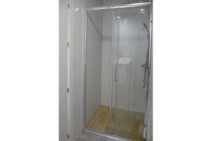 ducha apartamentos El Lago en Córdoba