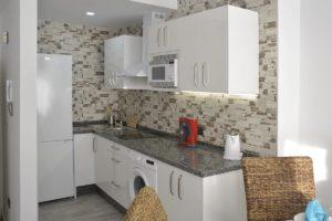 cocina americana apartamentos El Lago en Córdoba