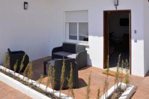 terraza apartamentos El Lago en Córdoba