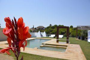 jardín de apartamentos El Lago en Córdoba