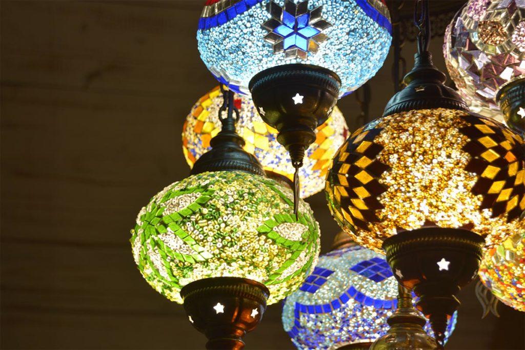 lamparas apartamentos El Lago en Córdoba