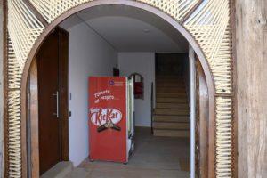 Hall entrada apartamentos El Lago en Córdoba
